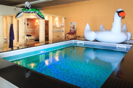 Paradies Pool Laden Bild 2