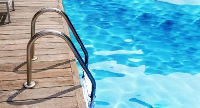 Pool-Einbauteile